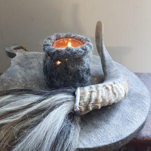 Ramhoorn metalen rand gemeleerde pluim waxinelichthouders grijs RMV Tactiles wollen windlicht wol