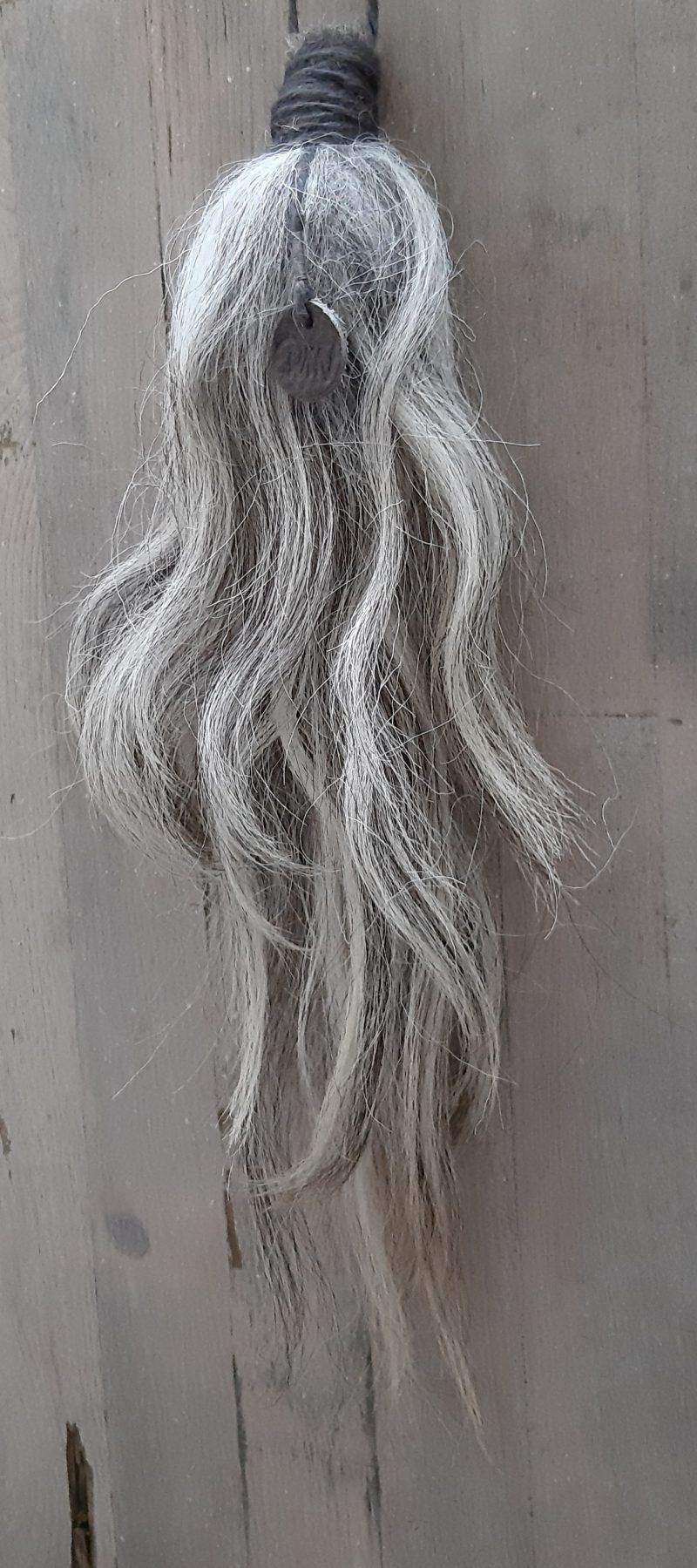 Kastenkwast of wolpluim nr.3 RMV Tactiles van uitzonderlijk lange grijze lokken