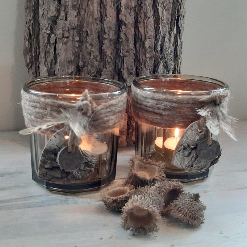 Waxinelichthouder rookglas met bruine wollen rand, berkenhout en veertjes - RMV Tactiles