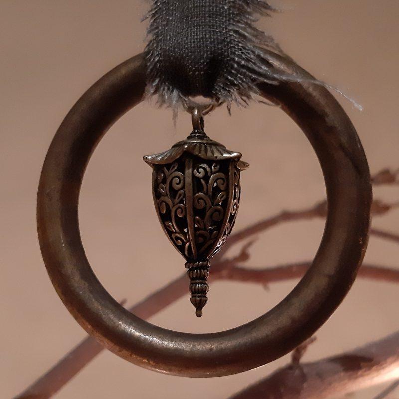 Sobere kersthanger met ring en lantaarntje - RMV Tactiles