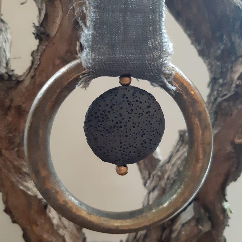 Sobere kersthanger met ring en lavasteen - geursteen - RMV Tactiles