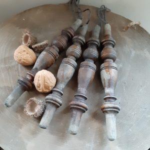 Antieke houten klos mooi verweerd 18cm - RMV Tactiles