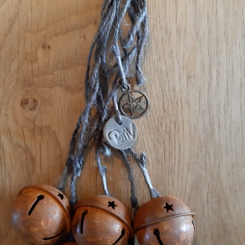 Witch's bells - 5 bellen grijs touw - RMV Tactiles