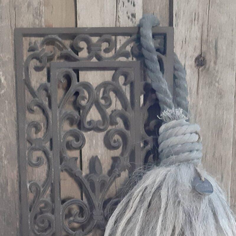 Wolpluim grote kastenkwast - donkergrijze krulletjeswol